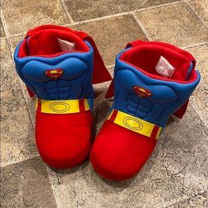 Superman boy's size L 9/10 slippers